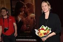 Režisérka Hana Třeštíková na projekci filmového dokumentu Manželské etudy: Nová generace v Kině 99 v Kolíně.