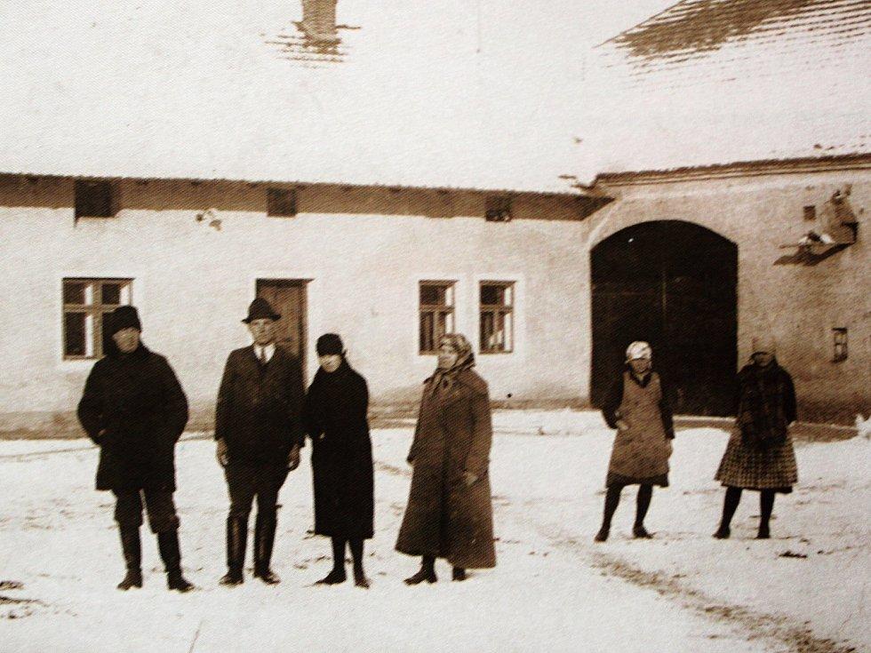 Tehdejší obyvatelé Radimku.