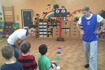 Projekt Basket s méďou zavítal do mateřské školky v Sendražicích.