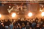 Z koncertu kapely Doga a předkapely AnarchiA.