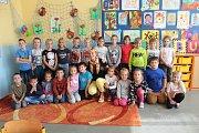 Třída 1. C  7. základní školy Kolín s třídní učitelkou Hanou Pospíšilovou