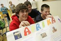"""Na 5. základní škole se v úterý dopoledne uskutečnil celoškolní projektový den s tematem """"Afrika""""."""