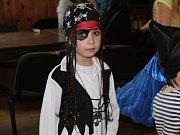 V Louňovicích to děti rozbalily na karnevale.