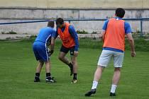 Fotbalisté Kouřimi při tréninku