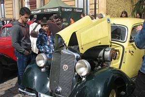 Českobrodský okruh pravidelně láká stovky návštěvníků.