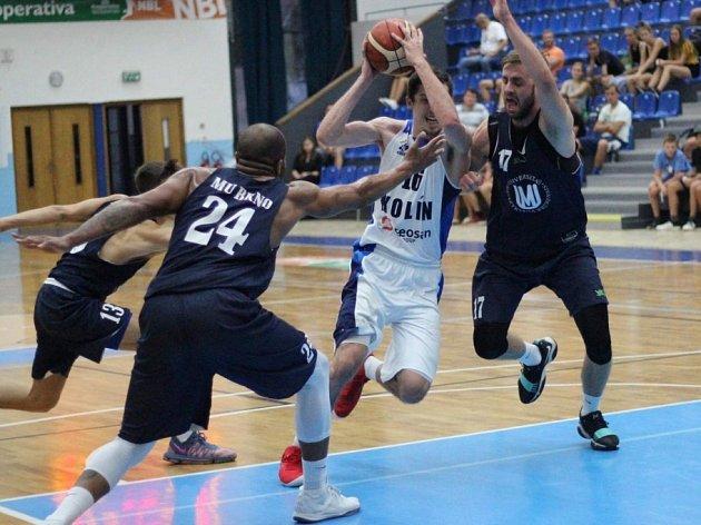 Z přípravného utkání BC Kolín - Brno (85:63).
