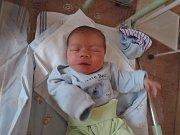 Matouš Klouček se poprvé rozplakal 6. listopadu 2017. Vážil 3300 gramů a měřil 50 centimetrů. V rodném Kolíně bude žít s maminkou Lenkou, tatínkem Martinem a bratříčkem Šimonem (5).
