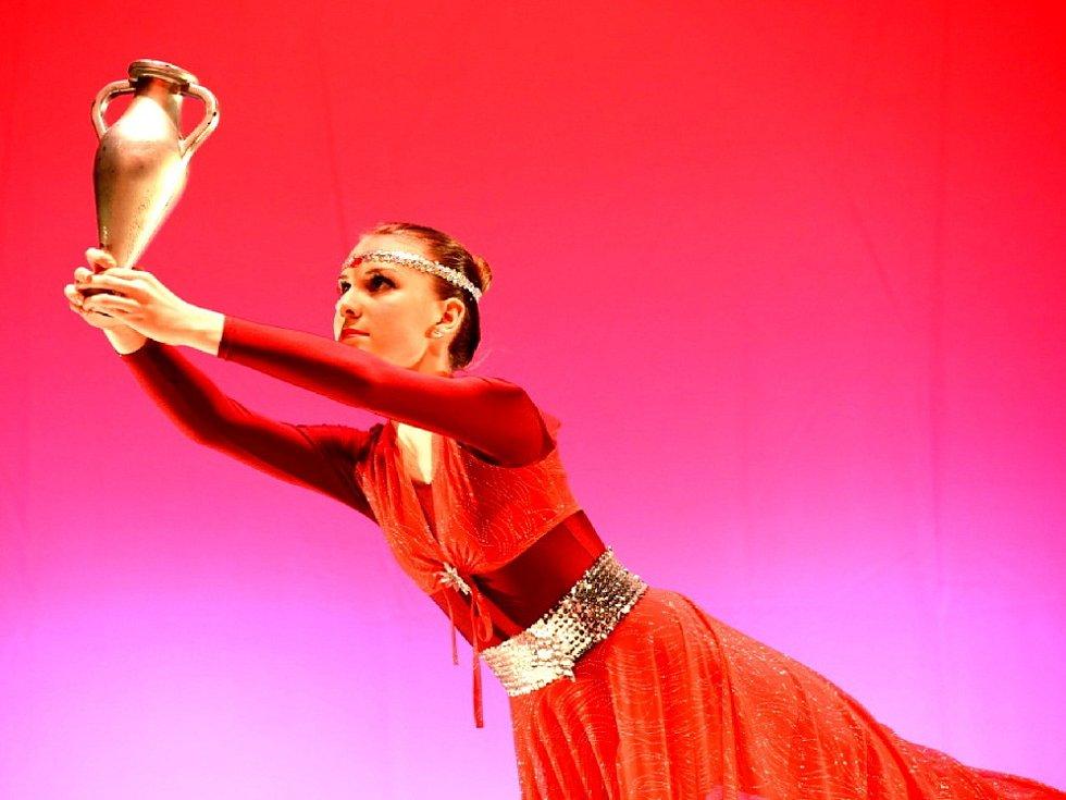 Podstatná část více jak dvouhodinové taneční přehlídky patřila současnému tanci