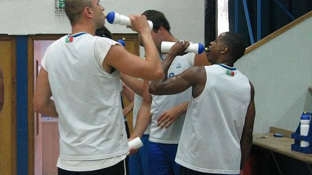Z prvního tréninku kolínských basketbalistů.
