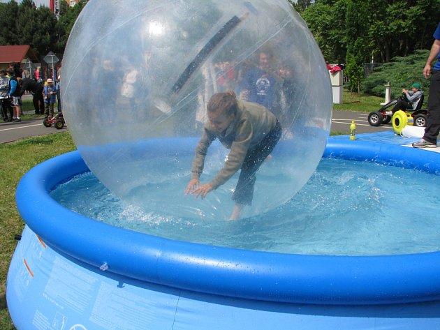 Streetball cup a dětský den v areálu Vodního světa Kolín