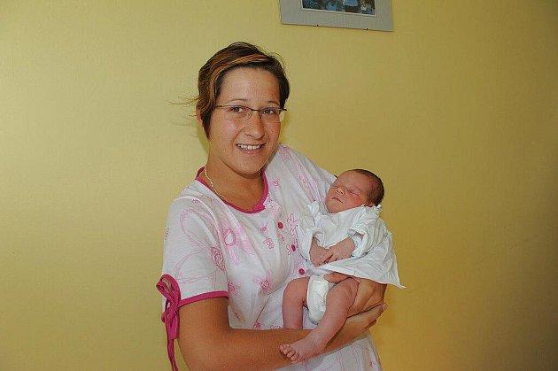 Do Mitrova 2 u Uhlířských Janovic poputuje z kolínské porodnice Tomáš Lhotan, který se narodil 19. srpna s váhou 3 390 gramů a výškou 51 centimetr. Prvorozeného syna si tam odvezli rodiče Tereza a Luděk.