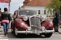 Na svátek práce se v Českém Brodě již tradičně uskutečnil závod automobilů a motocyklů vyrobených před rokem 1960.