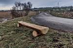 Dobrým nápadem, který ale nebyl součástí participativního rozpočtu, bylo umístění lavičky u cyklostezky na Štolmíř. Nainstalovaly ji Městské lesy Český Brod.