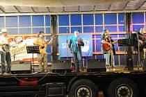 Trampoty slavily výročí hudbou