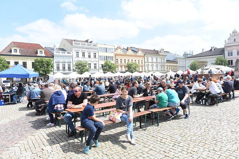 Vinný košt na Karlově náměstí v Kolíně