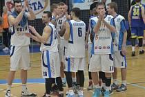 Z utkání BC Geosan Kolín - Ústí nad Labem (87:74).
