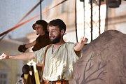 Už tradičně pokračoval druhý den nonverbálního divadelního festivalu Gasparáda představeními určenými především  nejmenším divákům.