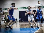 Z utkání BC Geosan Kolín - Opava (80:91).