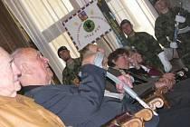 Ze slavnostního předávání pamětních medailí při příležitosti 60. výročí zrušení táborů nucených prací