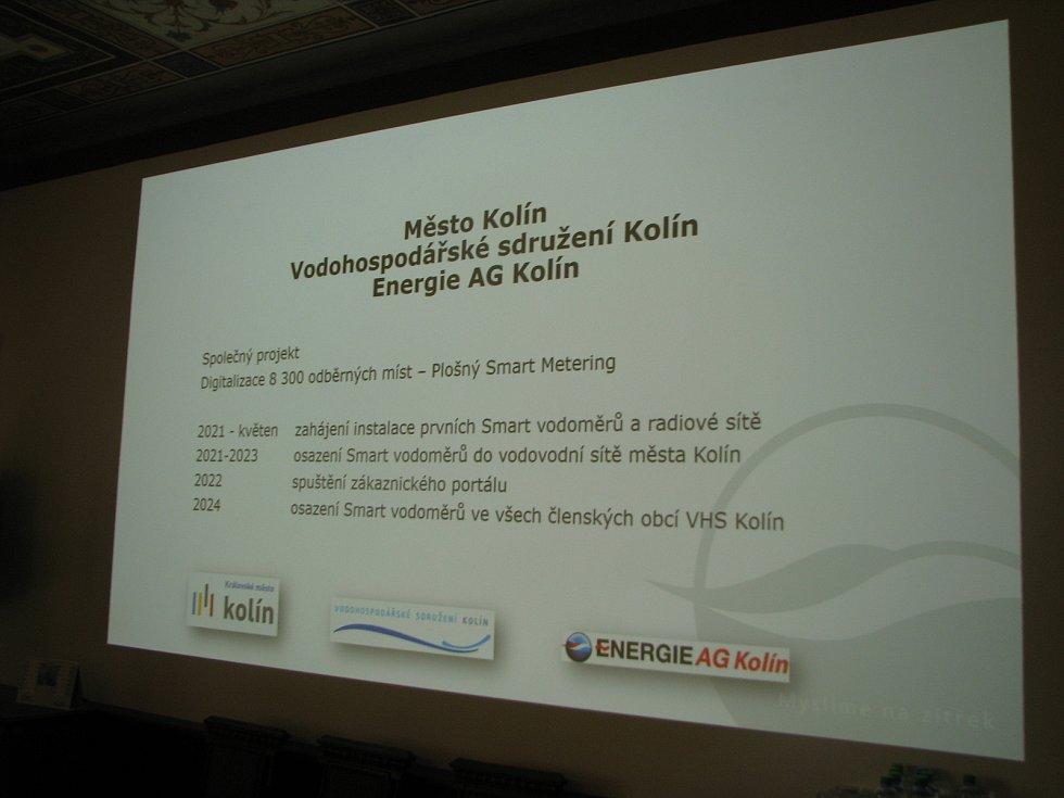 Zástupci Energie AG Kolín a Vodohospodářského sdružení Kolín prezentovali nový projekt výměny běžných vodoměrů za vodoměry nové generace.