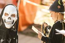 Halloweenské tvoření a zábava na Centrálním dětském hřišti v Kolíně.
