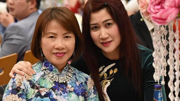 Ve velkolepém stylu se sešla vietnamská komunita v Městském společenském domě.