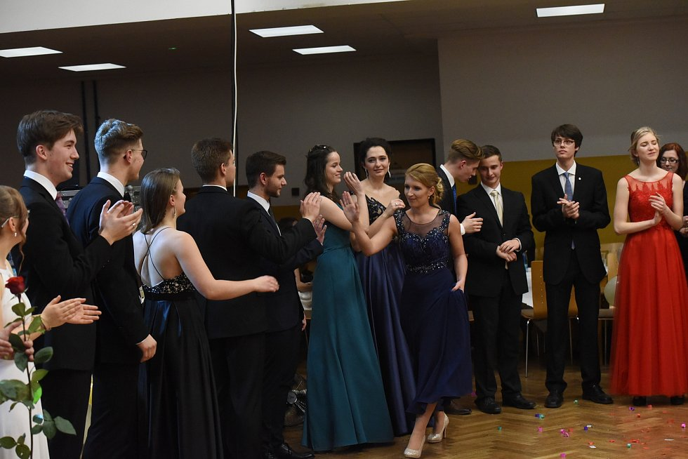 Gymnazisté z Nymburka připravili boží ples ve stylu starého Říma. Foto: