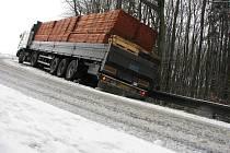 Kolize nákladního vozu Na Kamenné