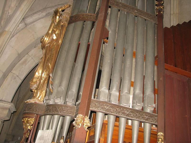 Z prohlídky chrámu sv. Bartoloměje v Kolíně.