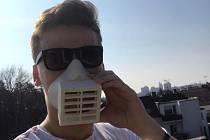 Respirátor z 3D tiskárny.