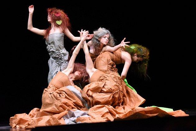 Již po dvaadvacáté se uskutečnila celostátní přehlídka pantomimy a pohybového divadla Otevřeno, která se již mnoho let odehrává vkolínském Městském divadle .