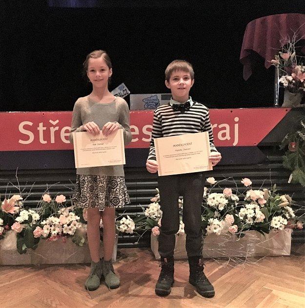 Dora a Vojta převzali významné ocenění za reprezentaci Středočeského kraje.