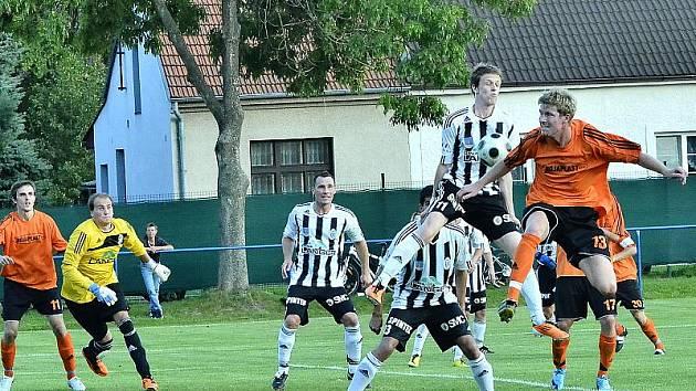 Z utkání Polepy - Ústí nad Orlicí (0:1).