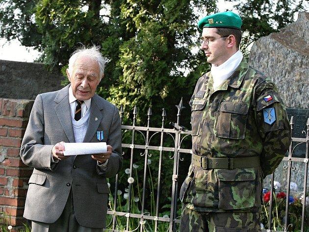 Shromáždění k uctění památky boje za lidská práva v Lošanech