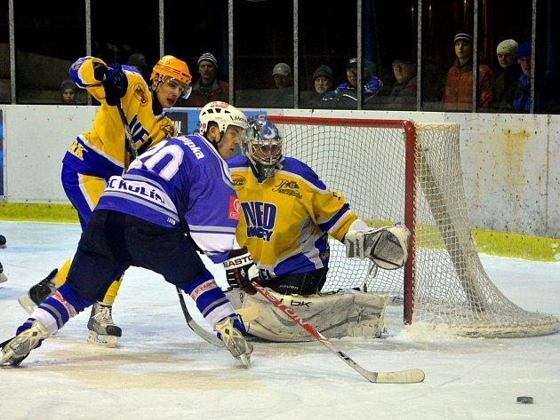 Z utkání II. NHL. Nymburk - Kolín (4:1).