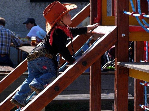 Od neděle si děti v Třebovou mohou užívat nové hřiště, které využijí i  žáci místní mateřské školy.