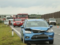 Dopravní nehoda uzavřela obchvat Kolína.