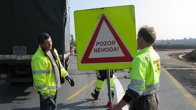 Dopravní nehoda poblíž nového kruhového objezdu na odbočce z Kolína na Novou Ves I