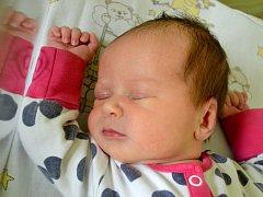 Veronika Tužinčinová se rozhlédla 26. října 2014. Po narození se pyšnila mírami 53 centimetry a 3925 gramů. Maminka Veronika a tatínek Štěpán si ji odvezli do Kutné Hory, kde se na ni těšili bráškové Radim (4) a Vojta (2).