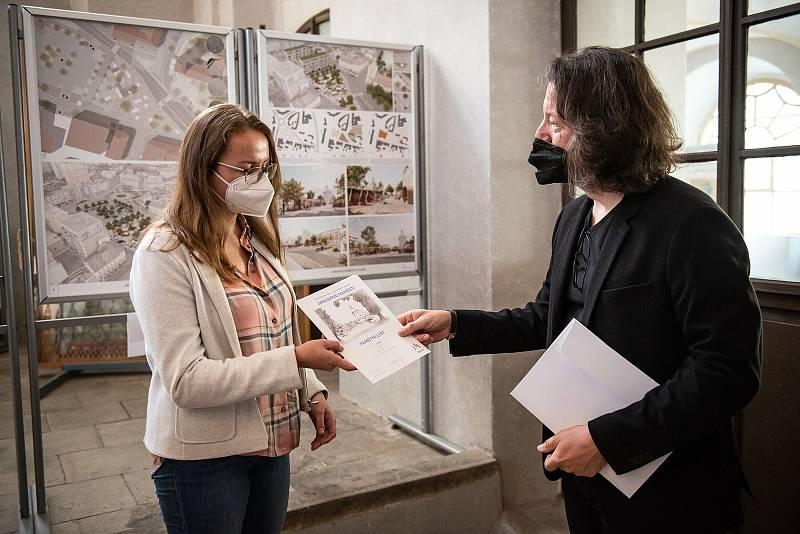 Kolín ocenil tři vítězné návrhy architektonické soutěže na přeměnu Jiráskova náměstí.