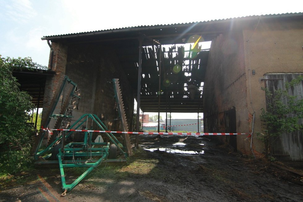 Požár zemědělského objektu v Cerhenicích.