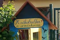 Knihbudka a semínkovna v Doubravčicích.