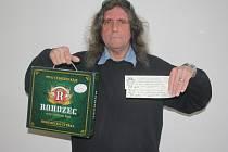 Miroslav Čuchal vyhrál karton piv značky Rohozec a dvě volné vstupenky na hokejové derby mezi Kolínem a Nymburkem, které se hraje ve středu 7. října.