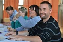 O volby byl během prvních hodin na Pečecku zájem.