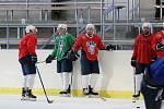 Po pěti měsících zpátky v bruslích. Hokejisté Kolína v pondělí odstartovali v Poděbradech úvodním tréninkem přípravu na ledě