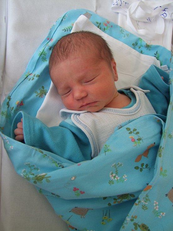 Šimon Píša se narodil 27. 2. 2018. Po porodu měřil 48 cm a vážil 3020 gramů. V Poděbradech na něj  a maminku Terezu už čeká tatínek Petr a sourozenci Honzík (12) a Sára (9).
