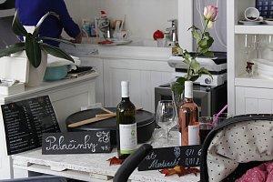 Svatomartinský bazar v Café Green zpestřilo slavnostní otevření vína
