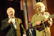 Pavel Bobek zpíval v Kolíně v country stylu