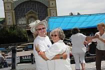 Přátelé Kmocha vyrazili na festival dechovky do Prahy
