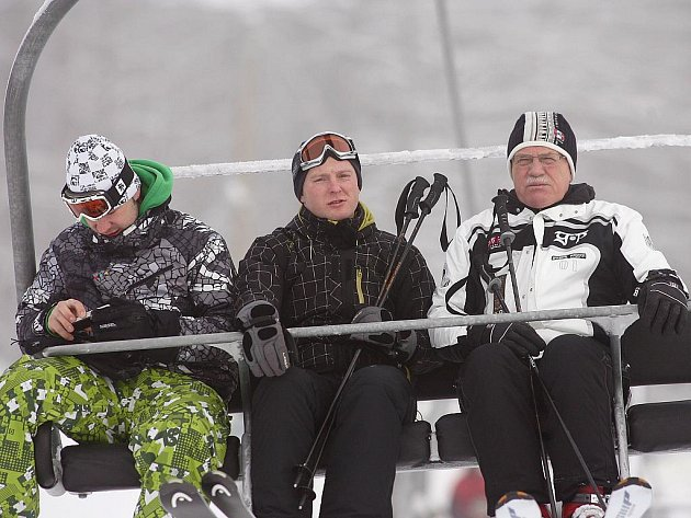 Prezident Václav Klaus na dopoledním lyžování v Monínci